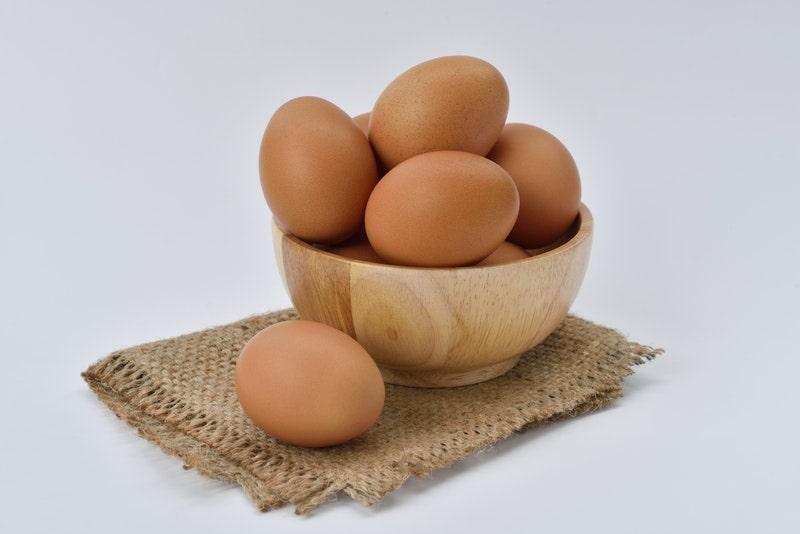 cách làm trắng da tại nhà bằng trứng gà