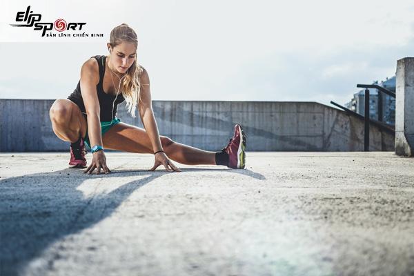 Giãn cơ sau khi tập chạy bộ